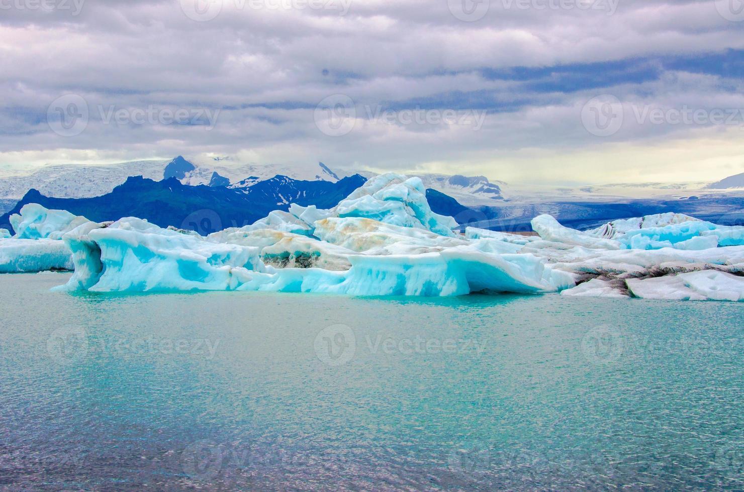 jokursarlon - island - glaciärsjön foto