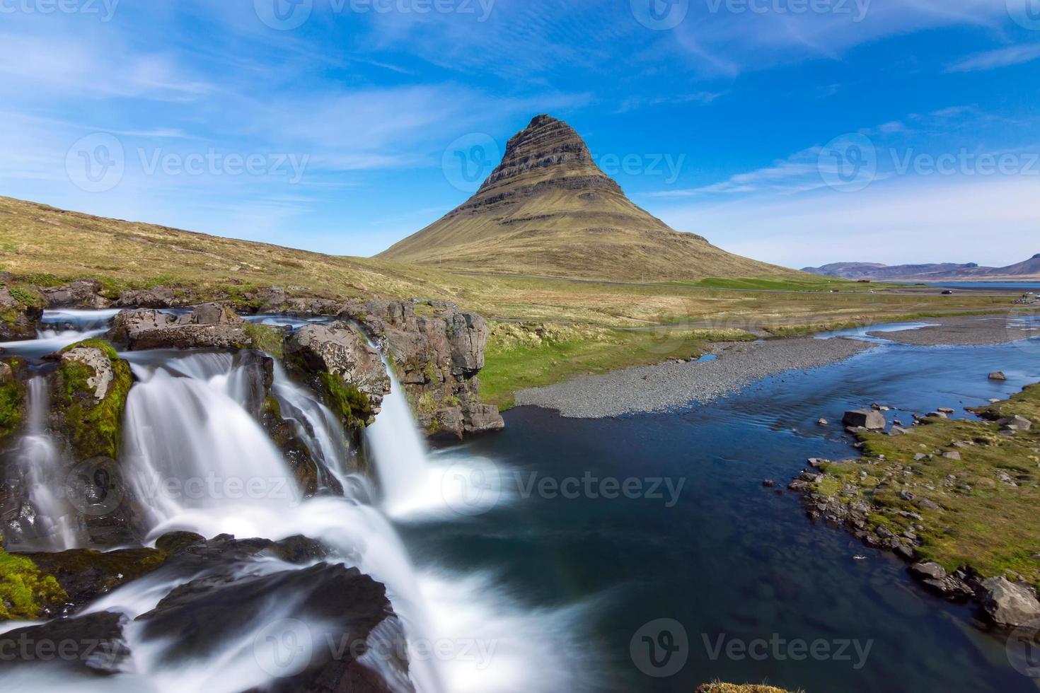 den ikoniska kirkjufell på Island foto