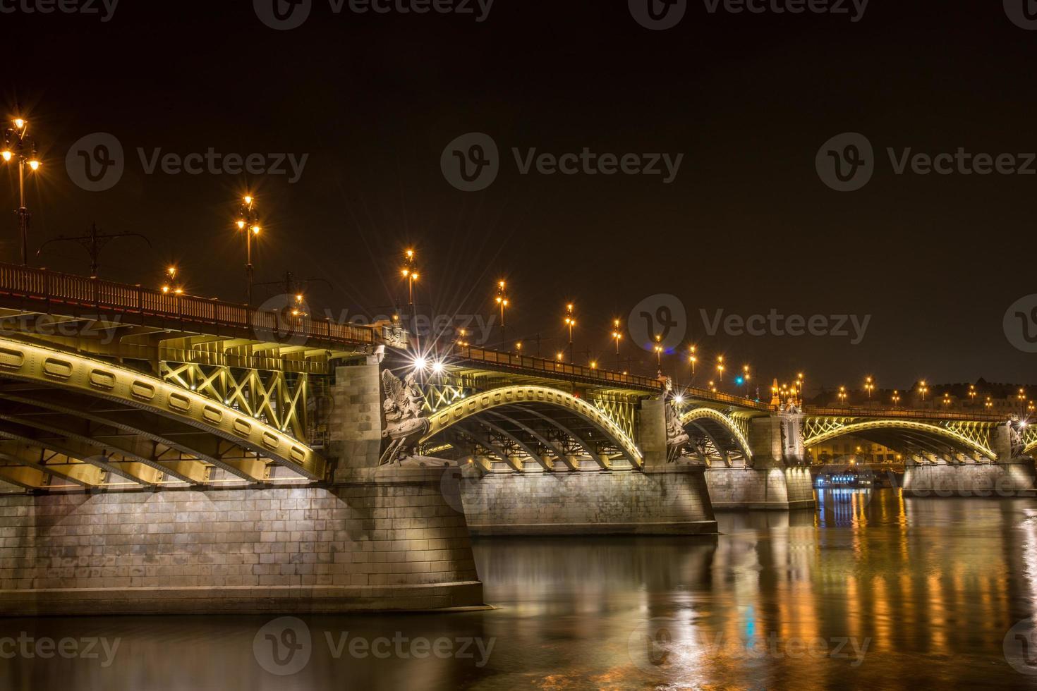budapest på natten foto