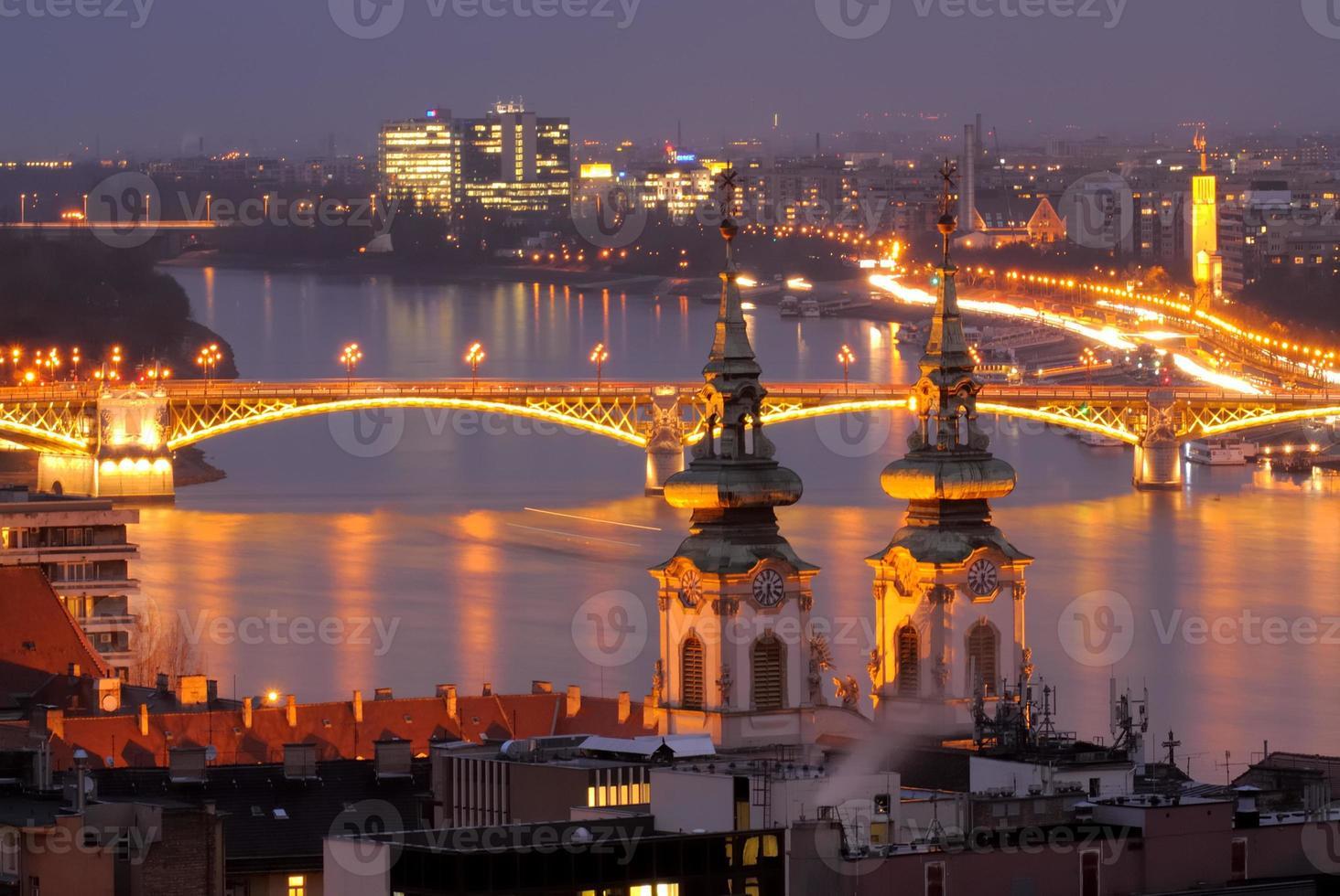 Donau River Night View i Budapest Ungern foto