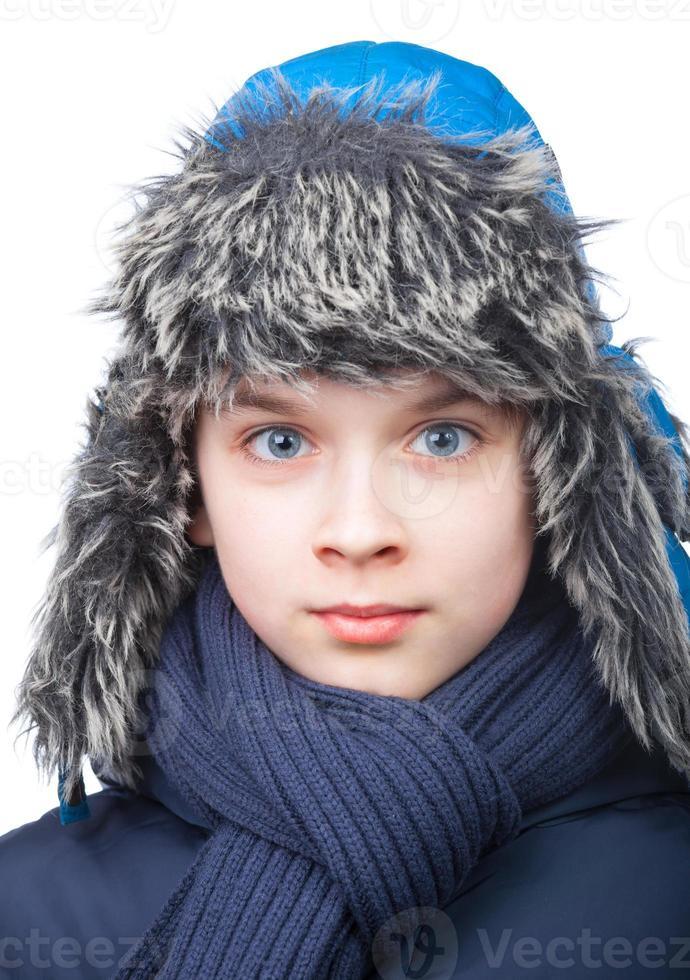 pojke i vinterkläder foto