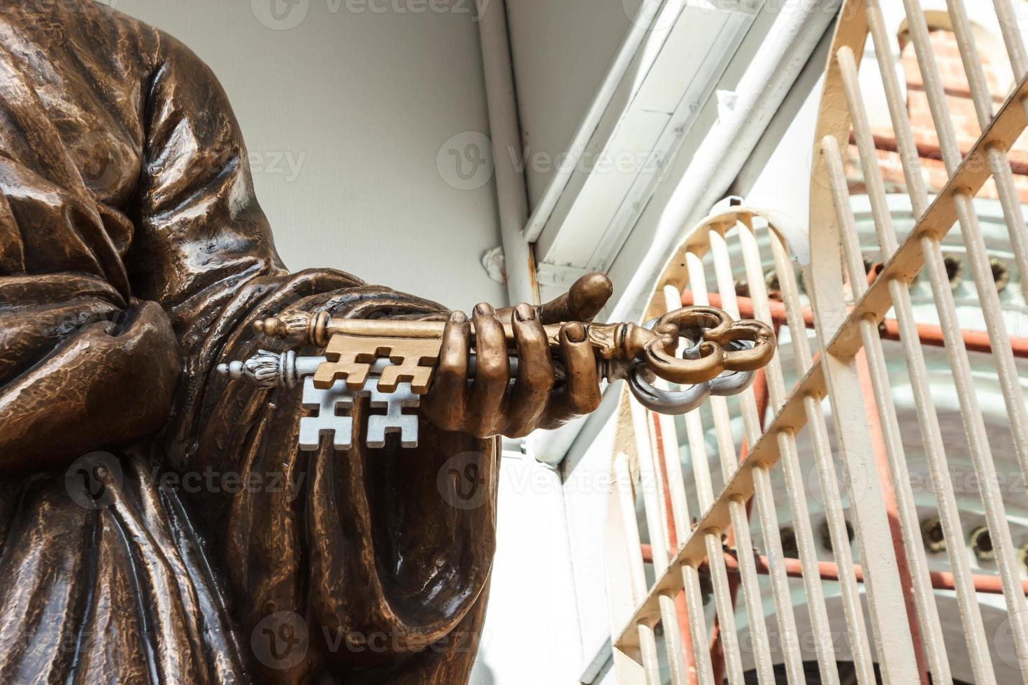 himmelens nycklar i saint peter hand. foto