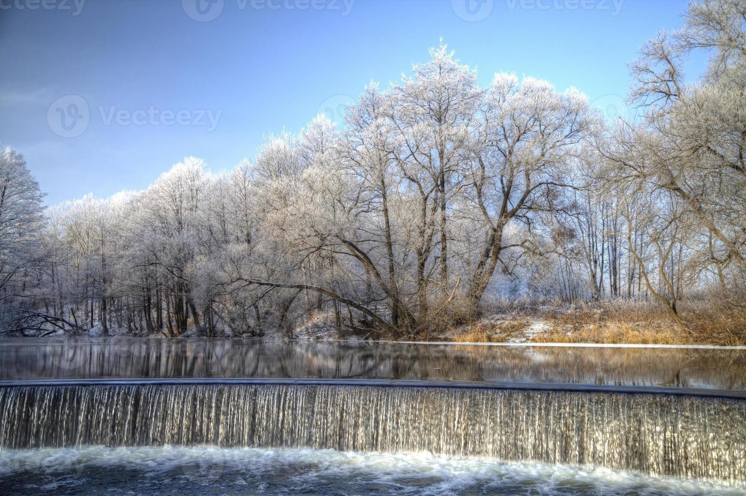 faller på vintern. foto