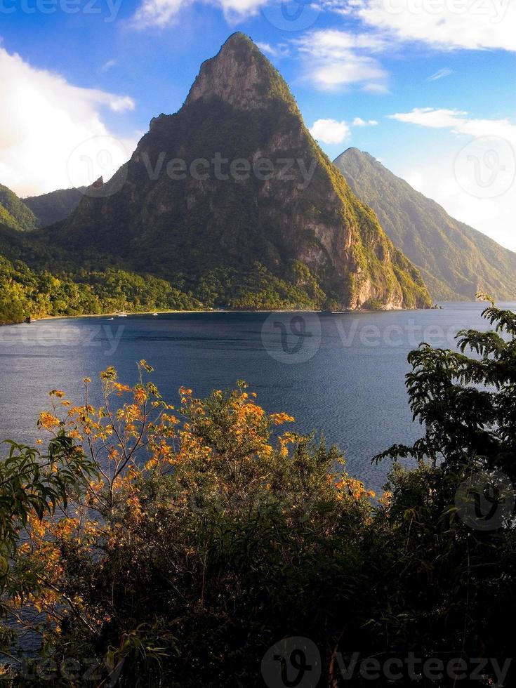 pitons saint lucia karibiska vindö foto
