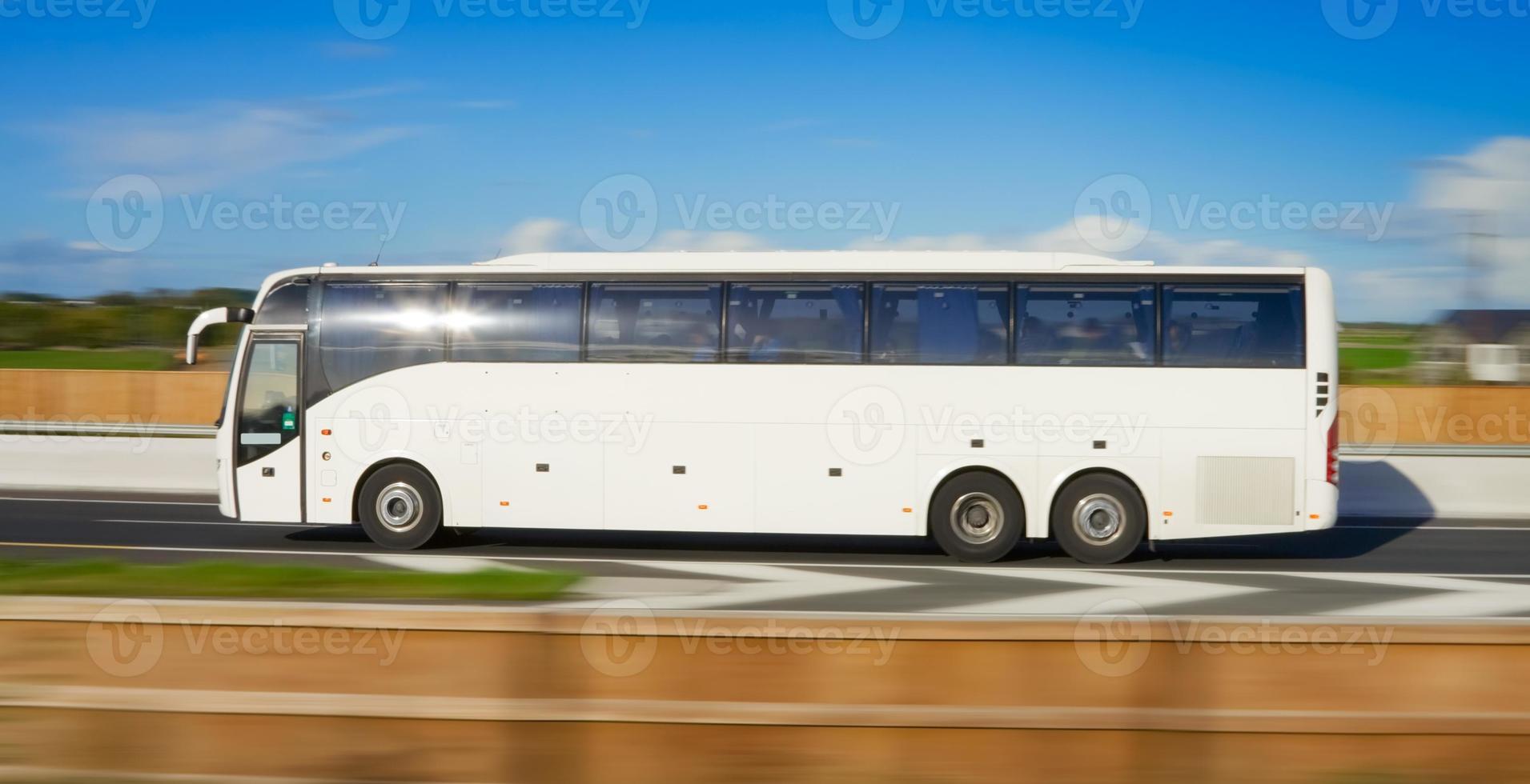 buss i rörelse foto