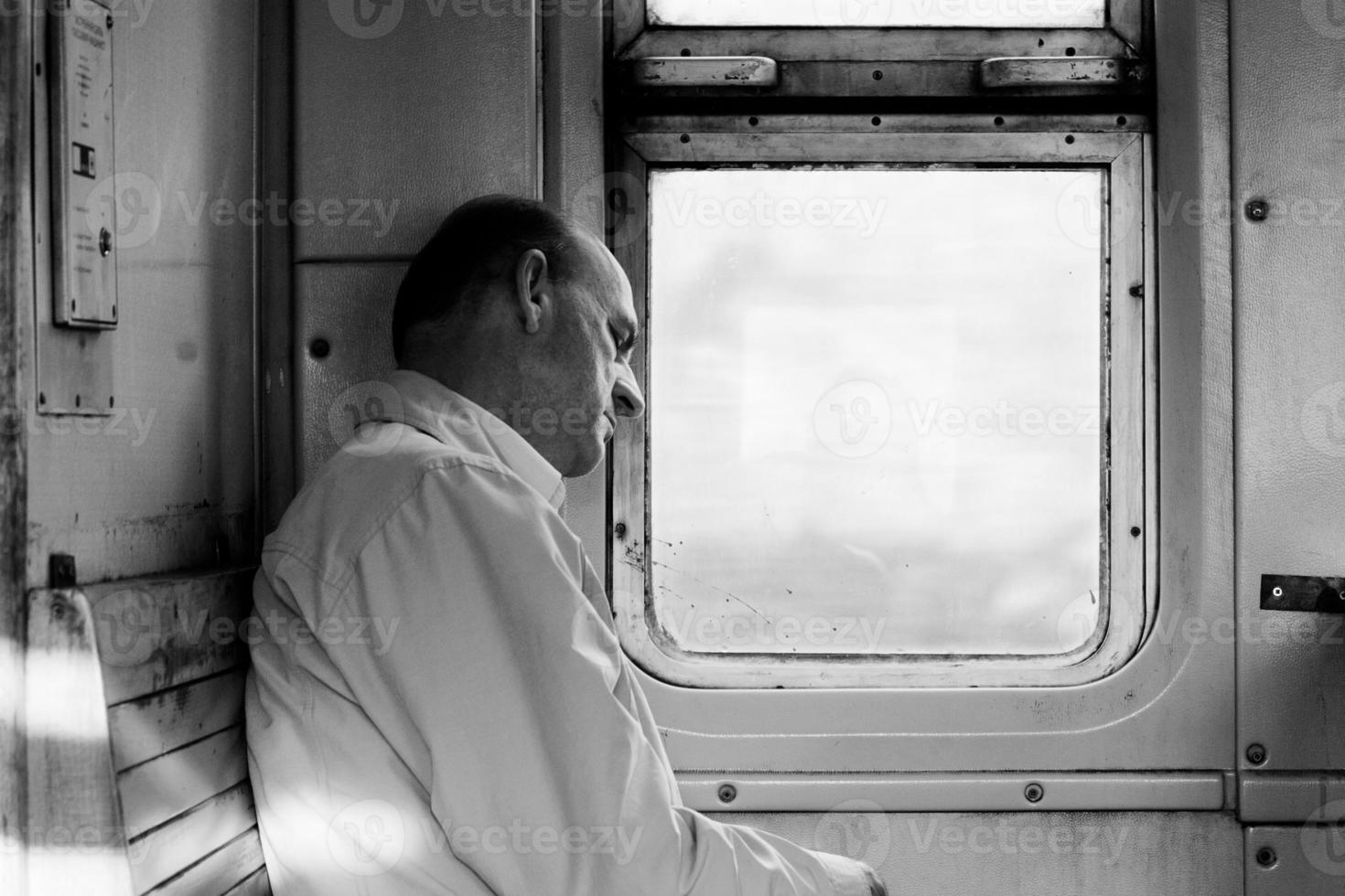 passagerare i tåg foto