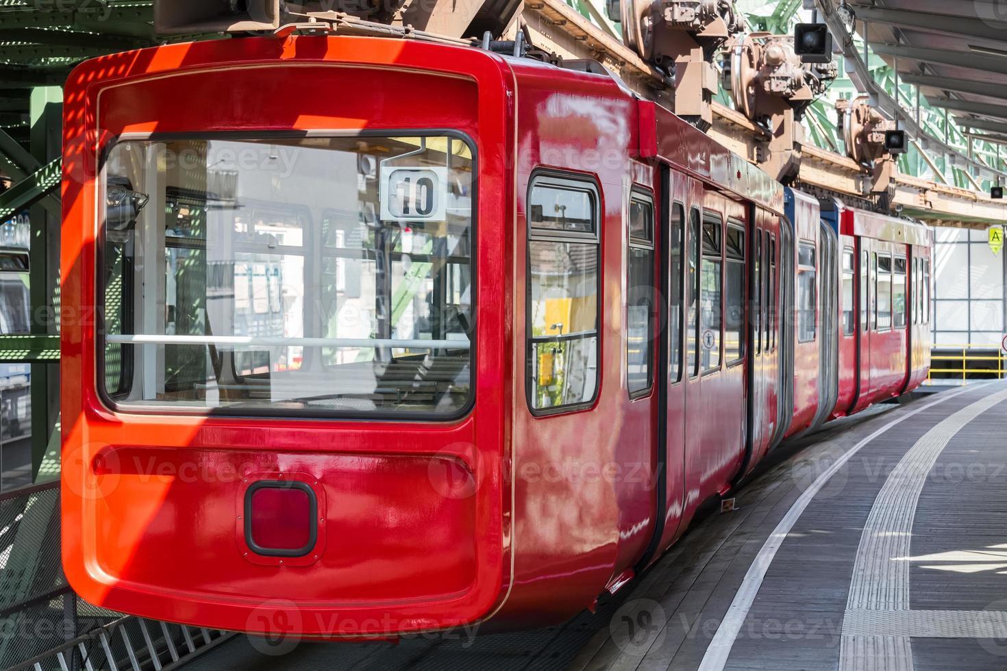 schwebebahn tåg i Wuppertal Tyskland foto
