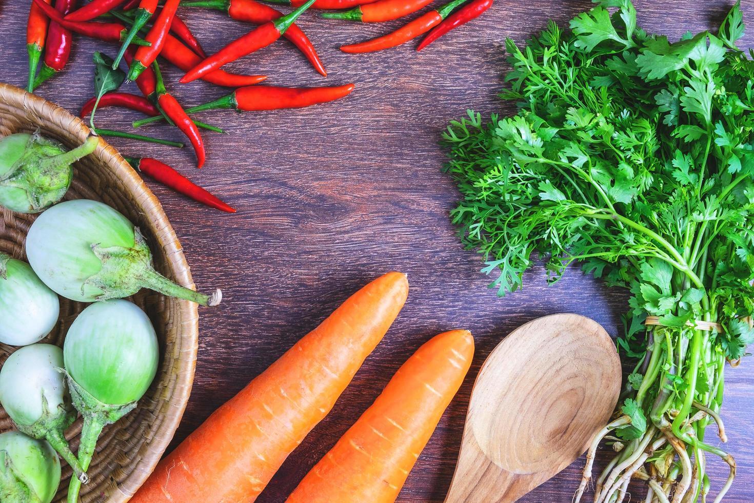 grönsaker och örter foto