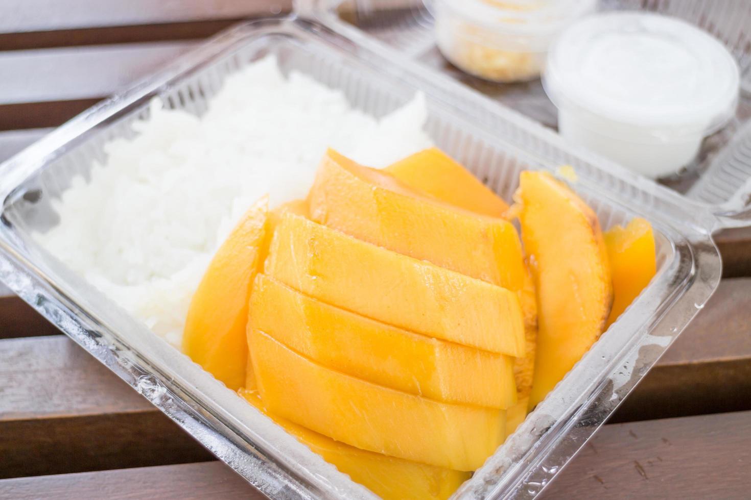 mango och klibbigt ris foto