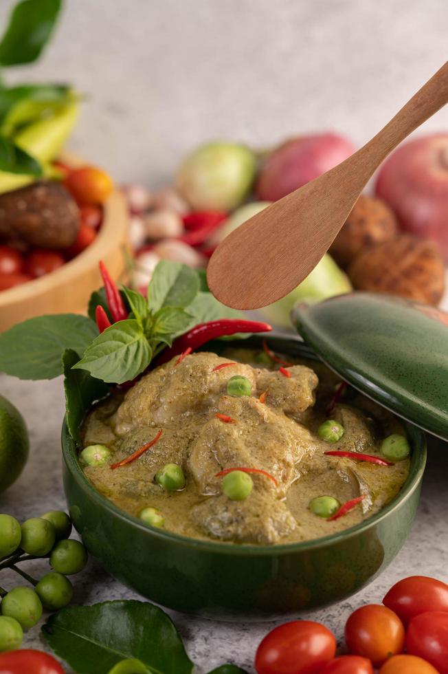 grön curry kyckling foto