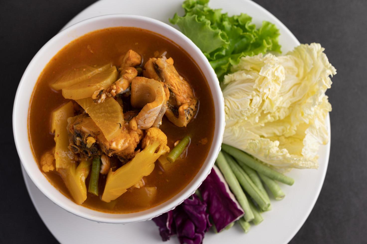 gul curry med ormfisk foto