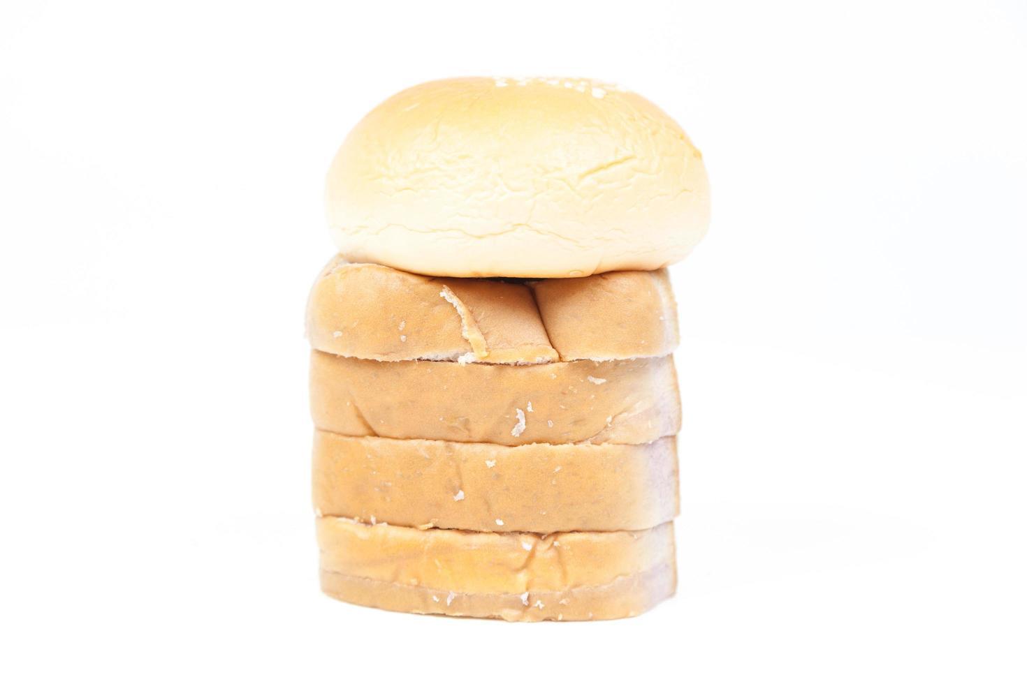 brödskivor isolerad på vit bakgrund foto
