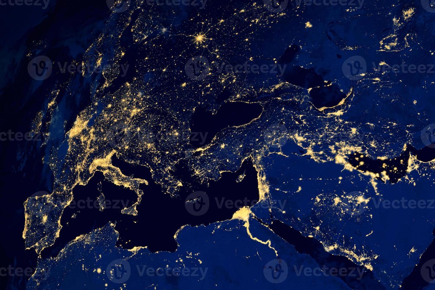 satellit karta över europeiska städer på natten foto