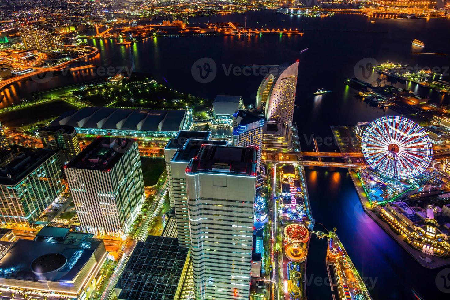 färgglada stadsbilden på natten foto