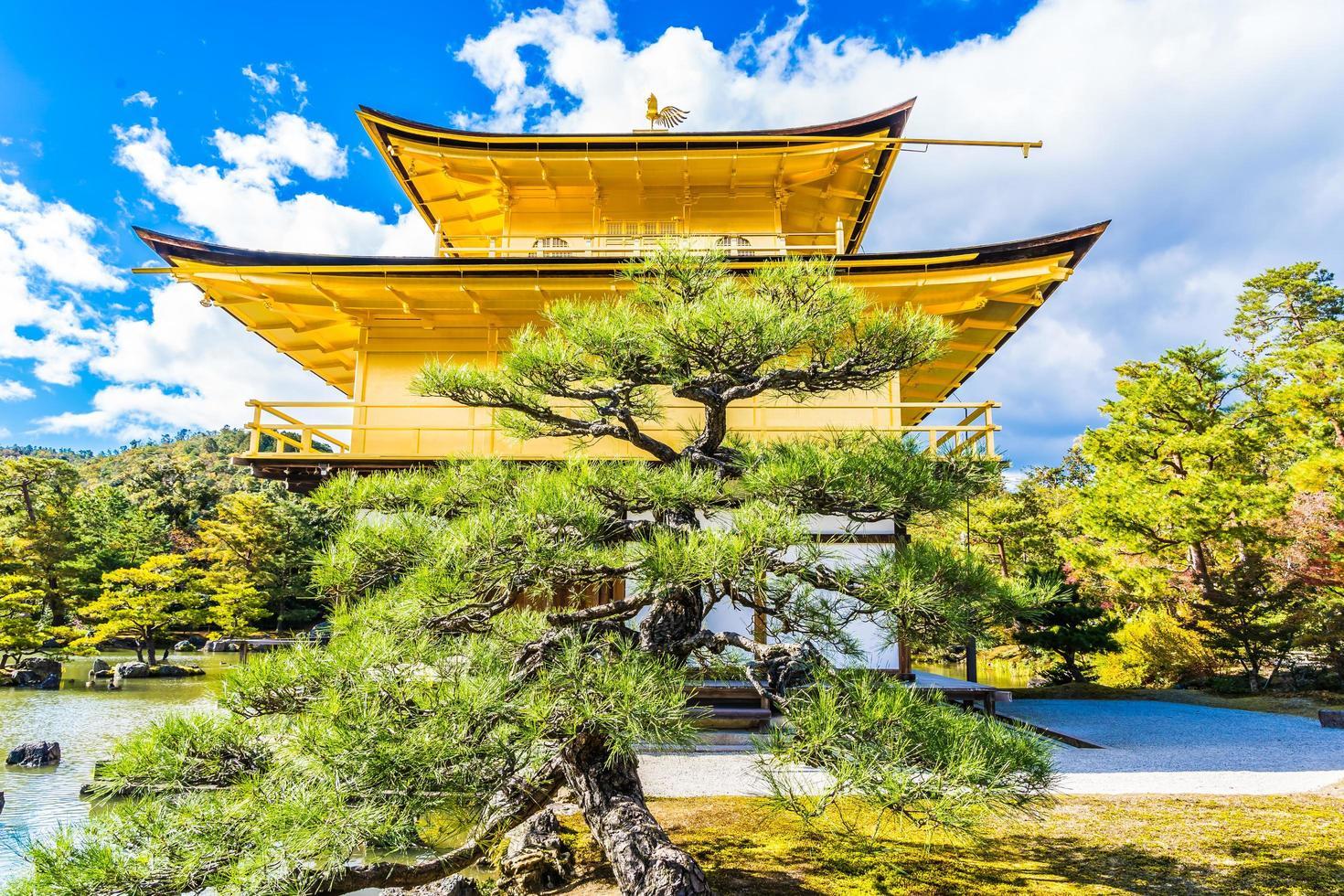 kinkakuji-templet eller den gyllene paviljongen i Kyoto, Japan foto