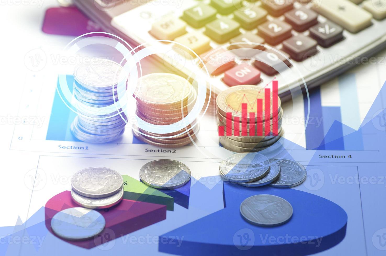 mynt och miniräknare dubbel exponering foto