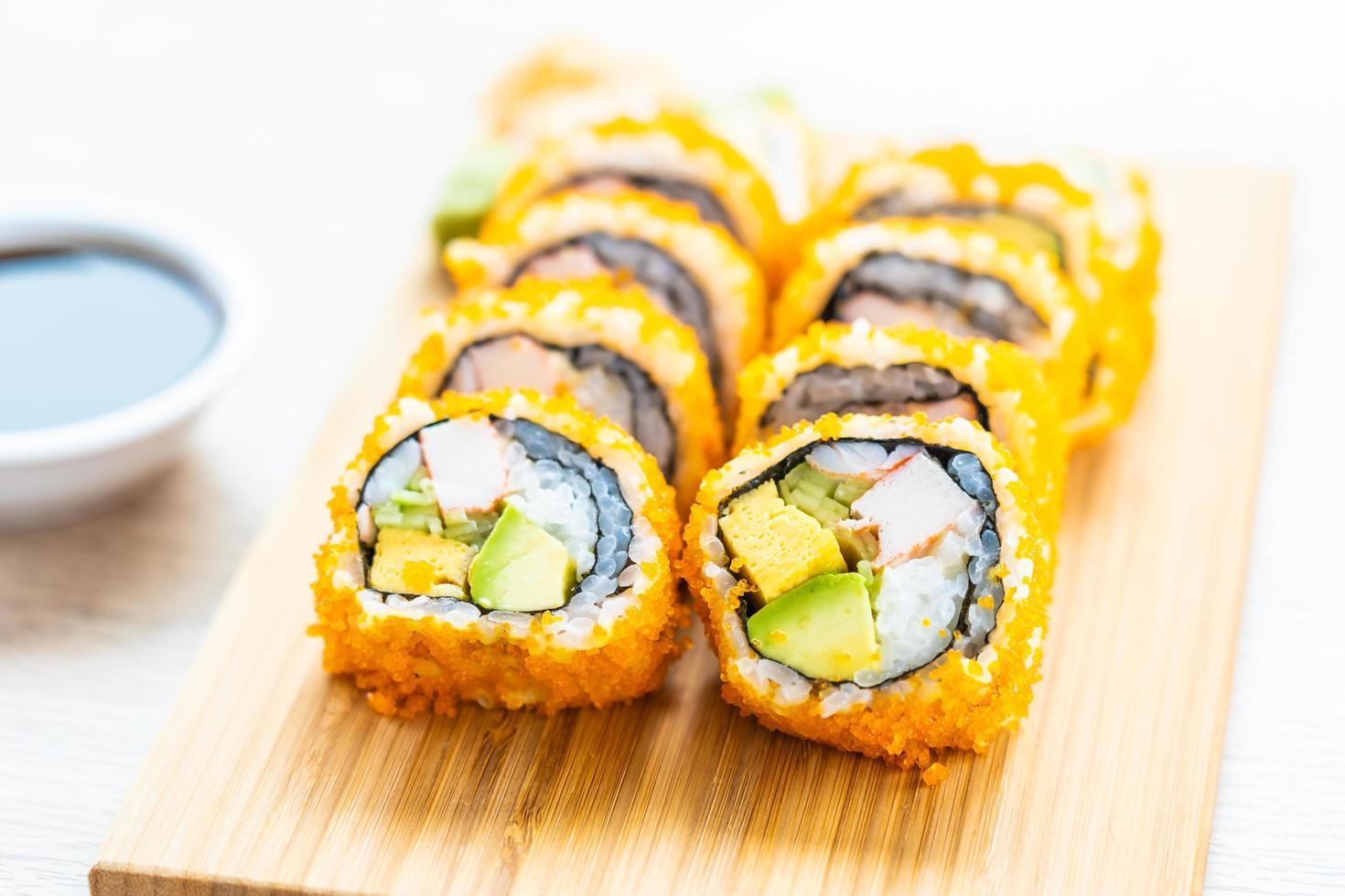 california maki rullar sushi foto