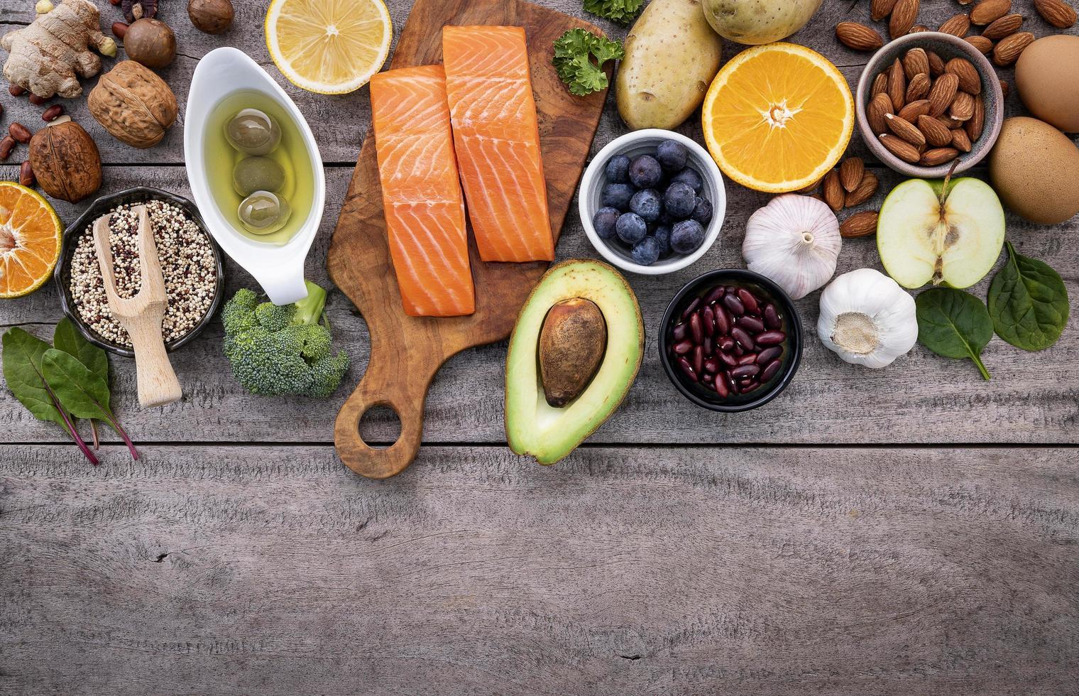 lax med andra hälsosamma ingredienser foto