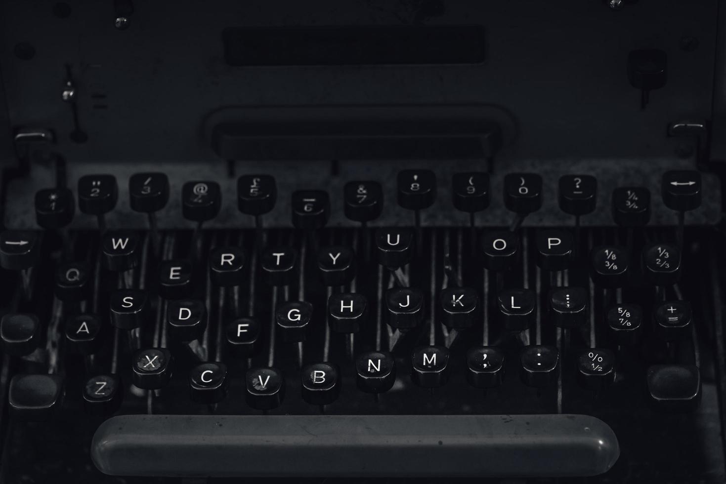 gammal vintage skrivmaskin foto