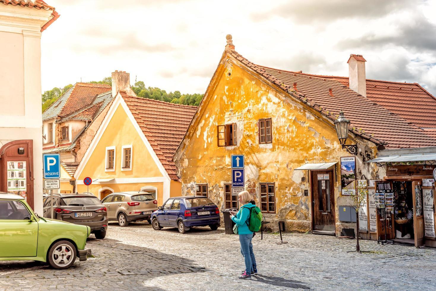 Tjeckien 2017 - historiska gamla stan i Cesky Krumlov i södra Böhmen foto