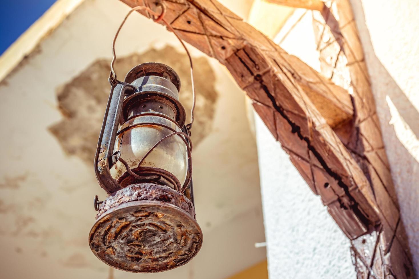 rustik lampa medelhavs gatubild foto