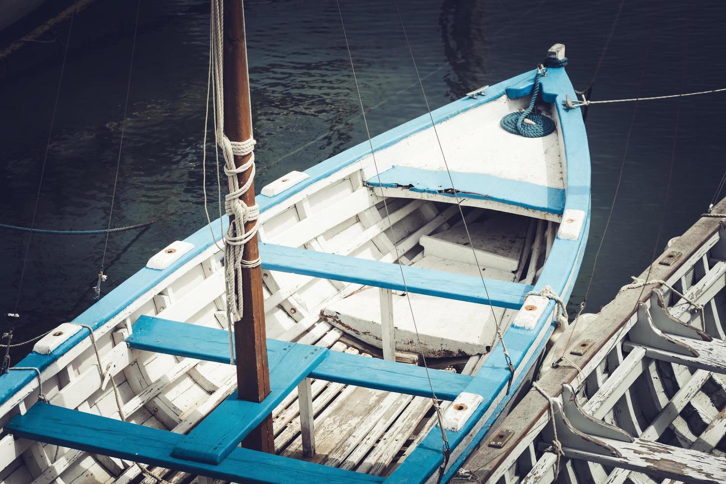gammal fiskebåt ovanifrån foto