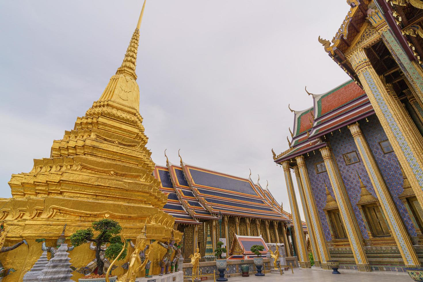 Wat Phra Kaew tempel i Thailand foto