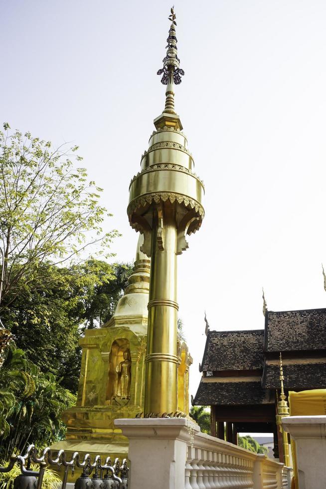 thailändskt buddhistiskt offentligt tempel i Chiang Mai foto