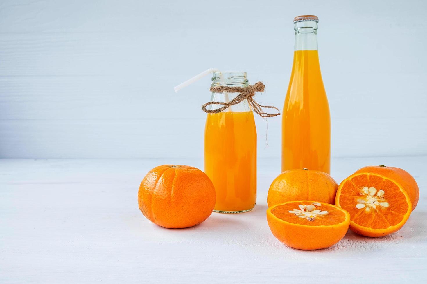 färsk orange citrusfruktsaft foto