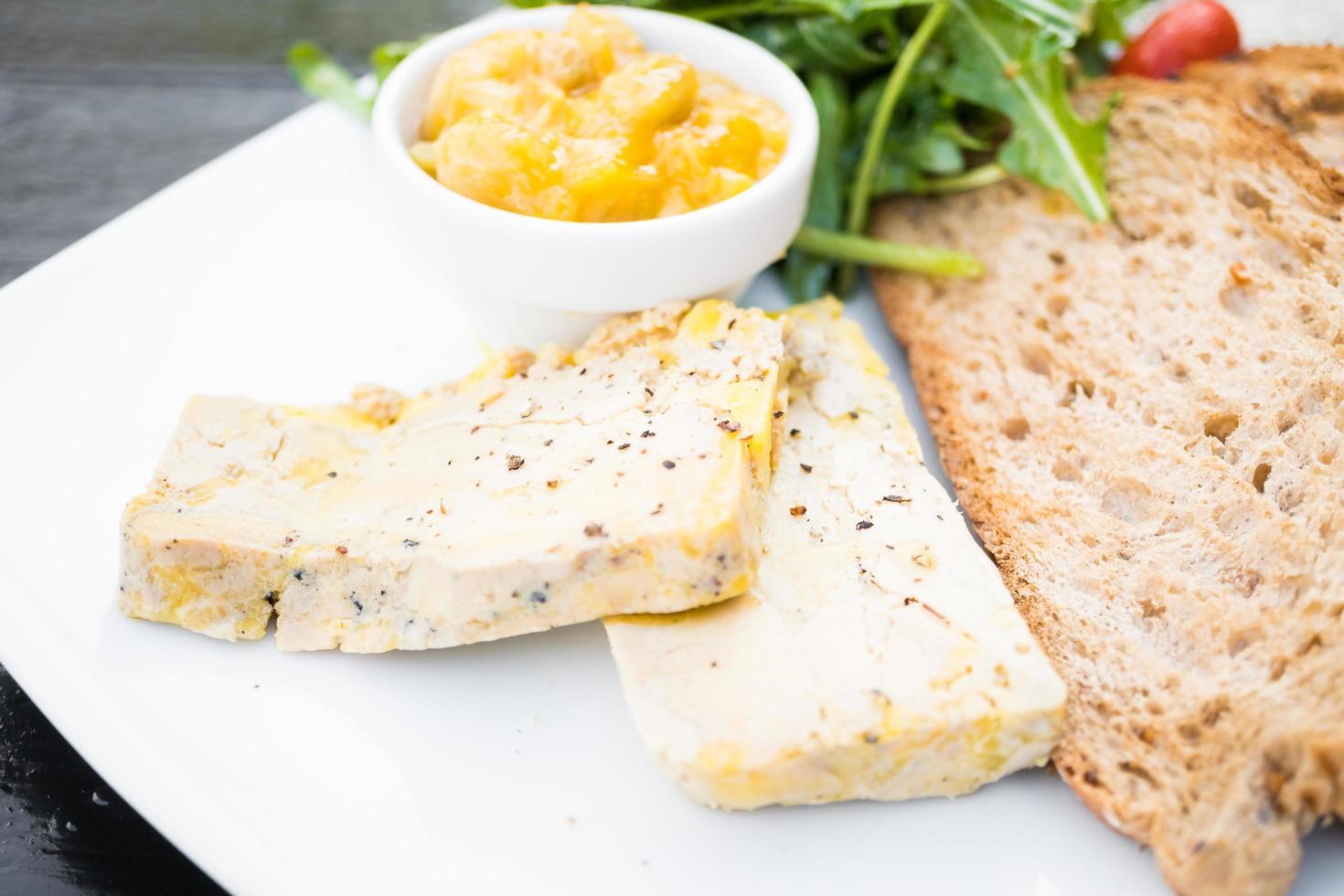 foie gras med bröd foto
