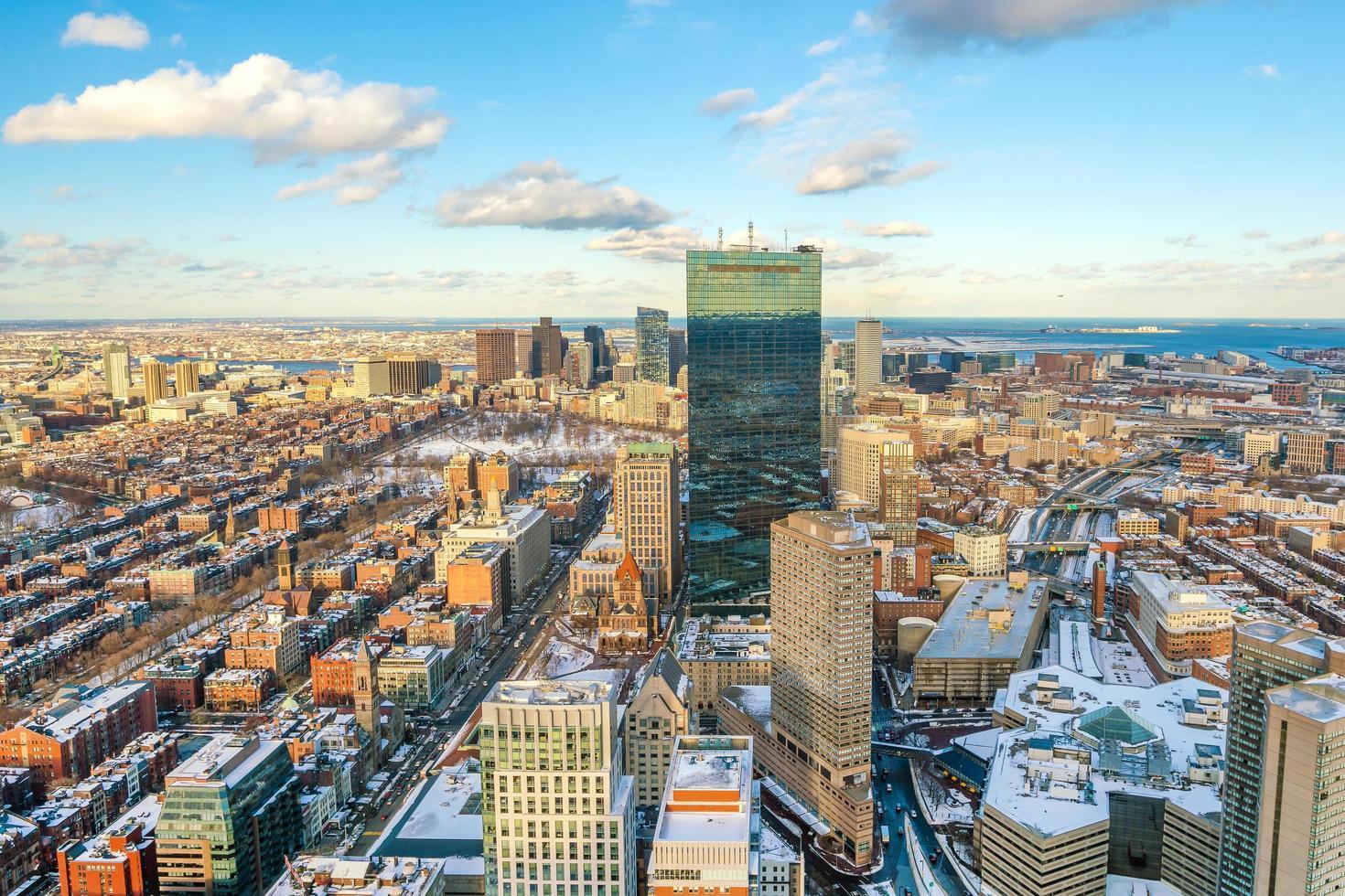 Flygfoto över Boston i Massachusetts, USA vid solnedgången foto