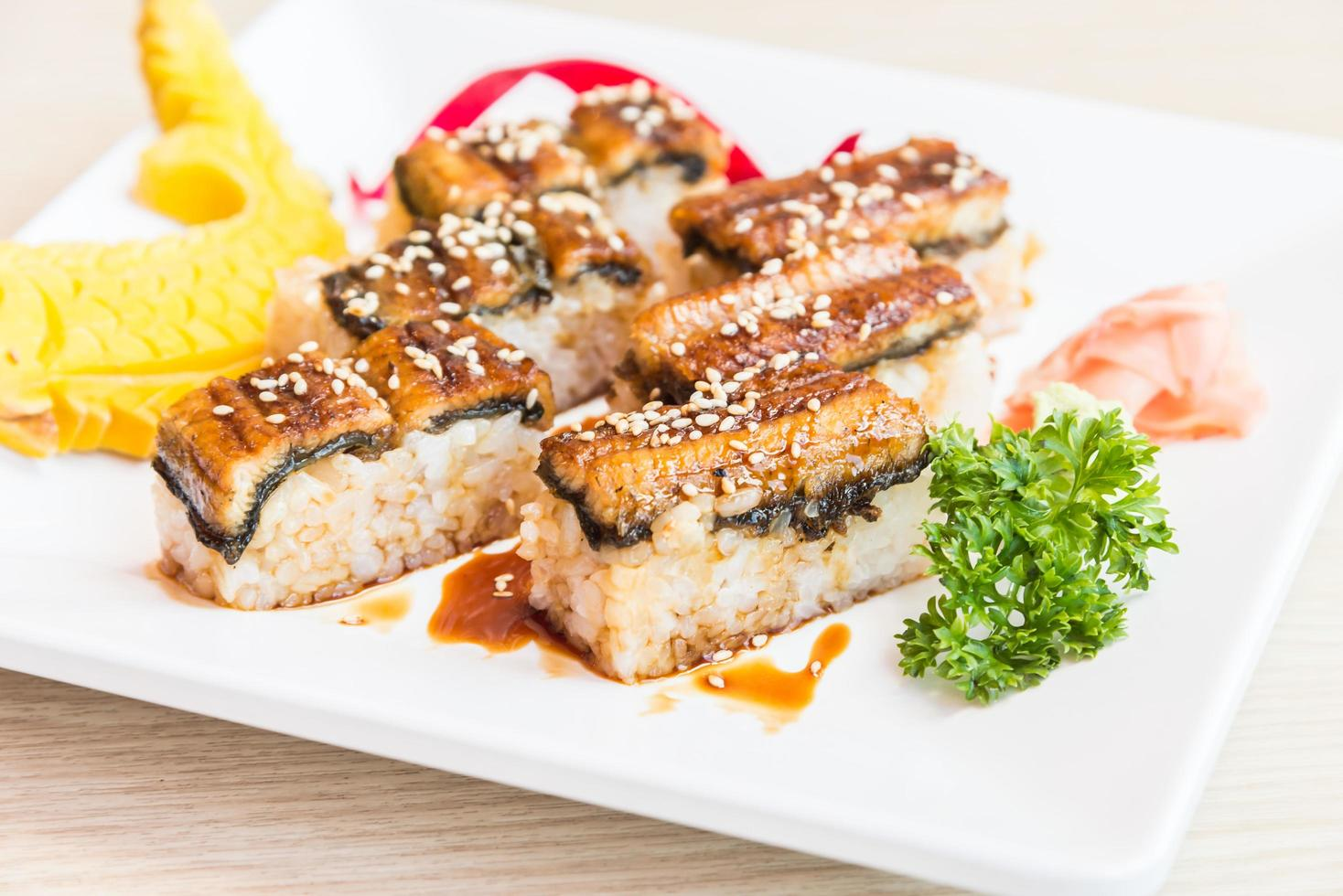 ål sushi rulle maki foto