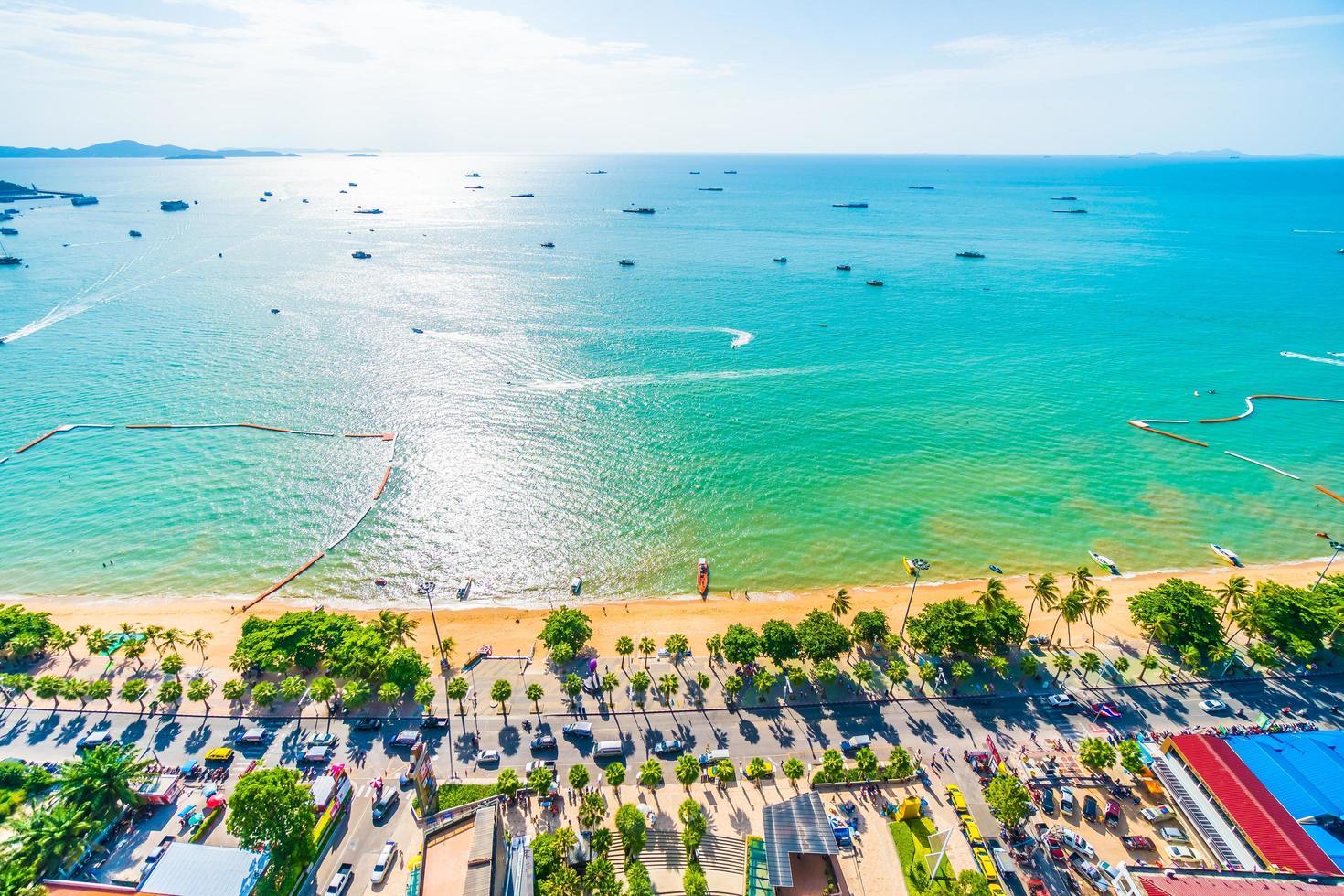 Pattaya stad och vik foto