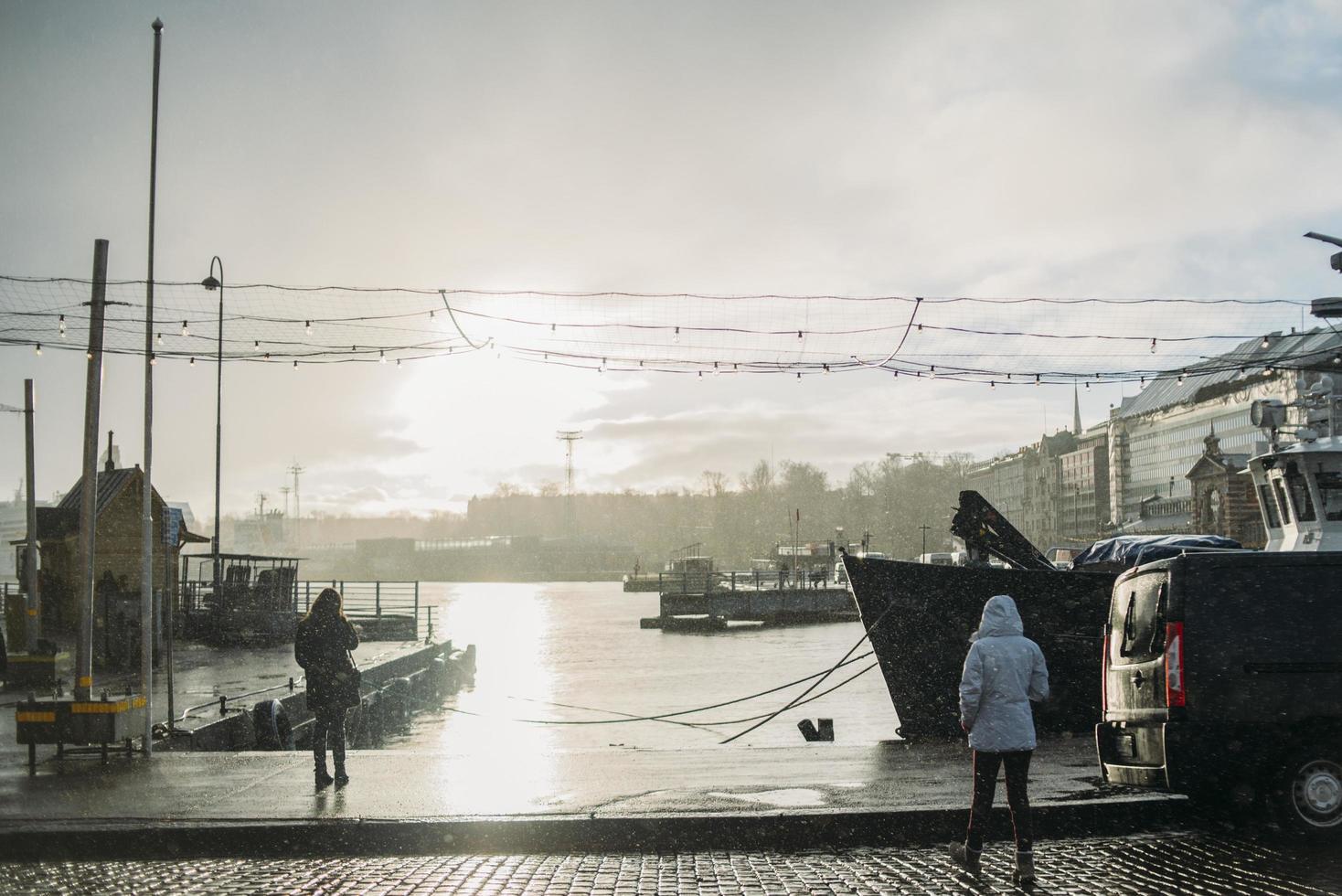 Helsingfors, Finland, 2021 - regnig dag i stadens hamn foto