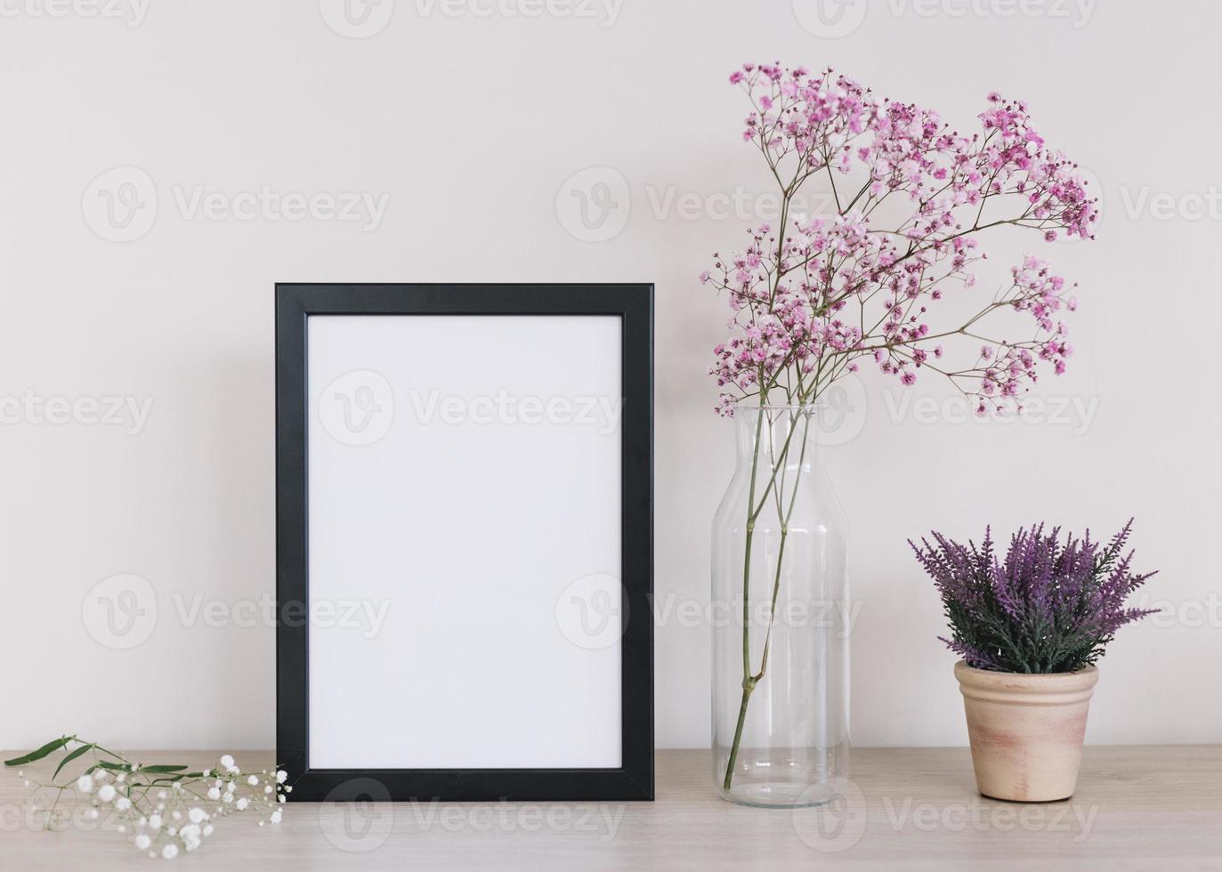 lila blommor ram bakgrund foto