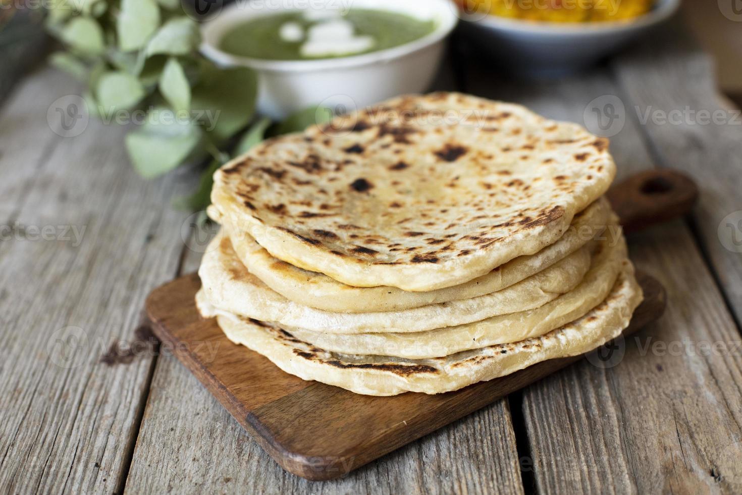 närbild bröd kokt indisk stil foto