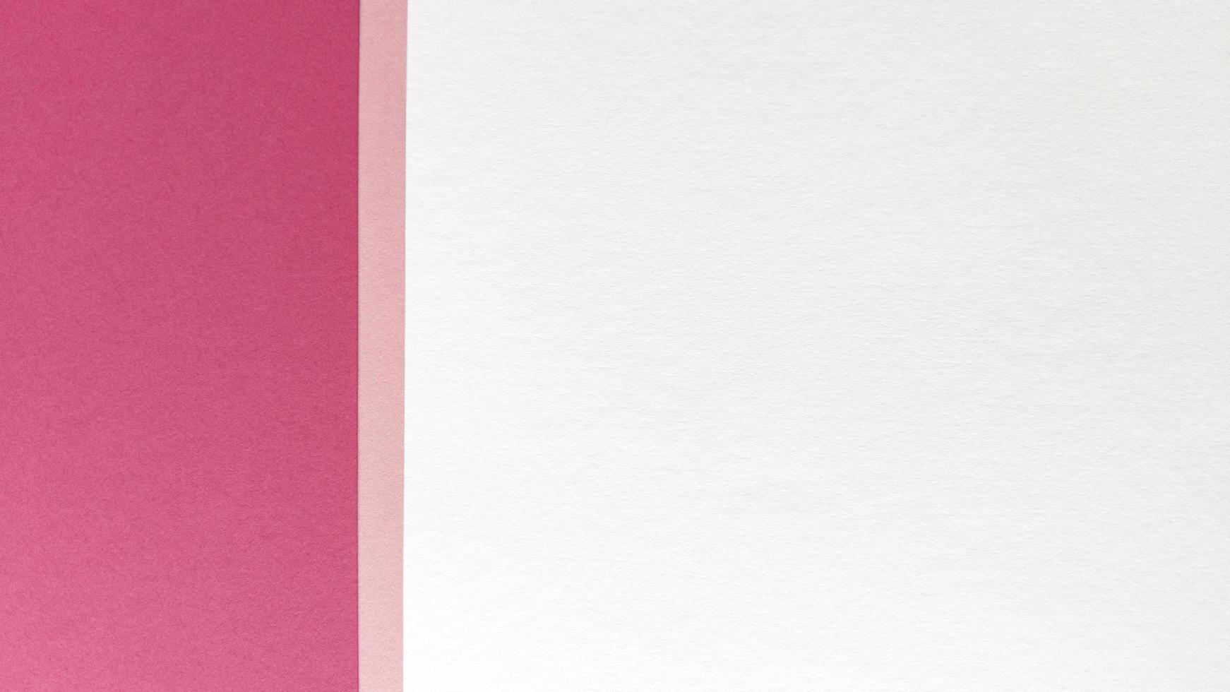 enkel platt låg med pastellstruktur. rosa och vitbok bakgrund. stock foto. foto