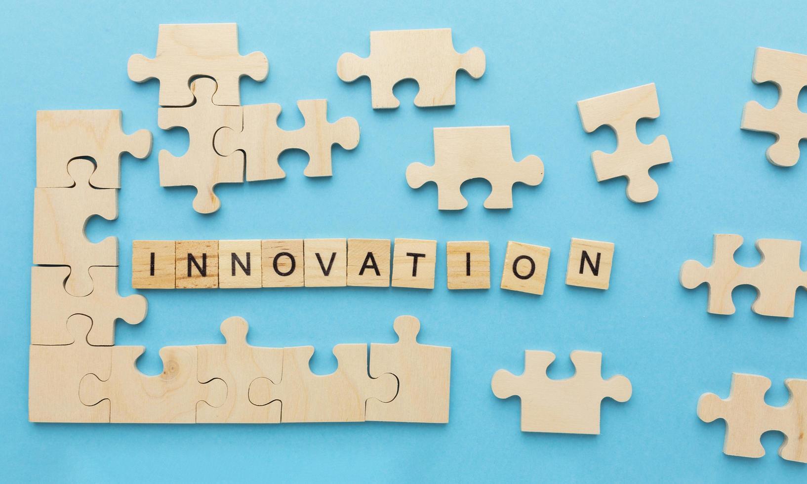 bokstäver som säger innovation foto