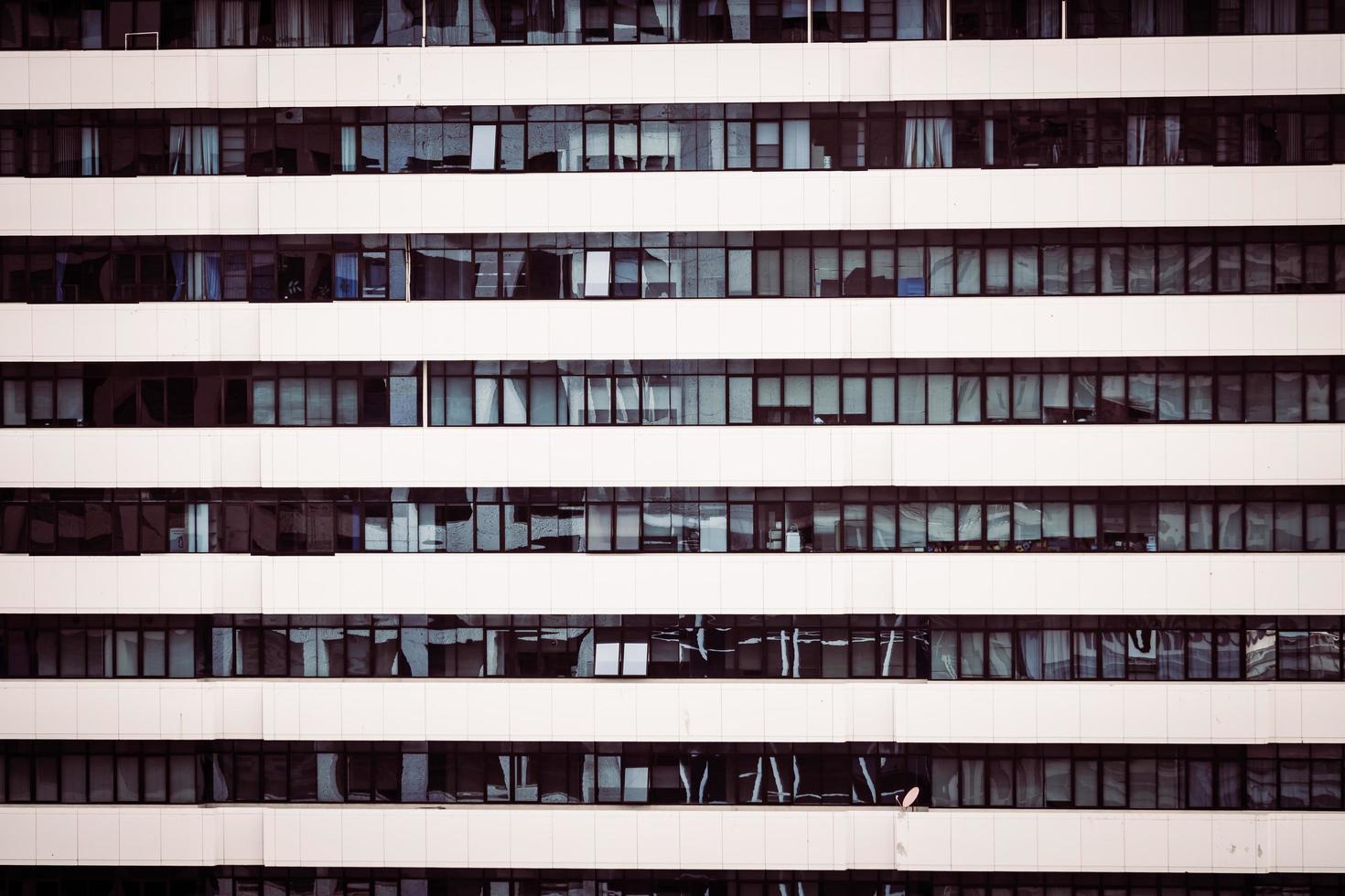 fönster mönster texturer av byggnaden foto