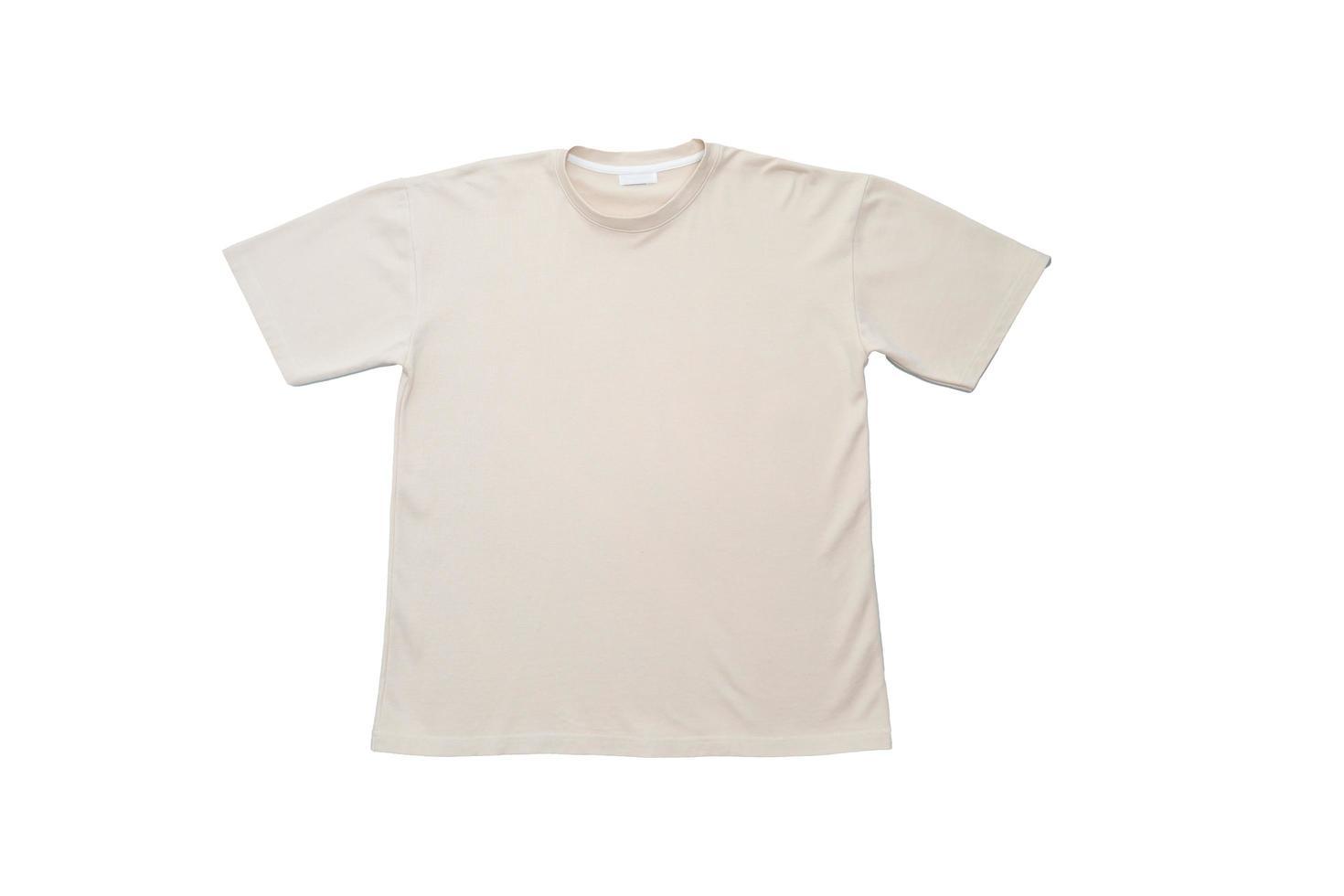 vanlig t-shirt på vit bakgrund foto
