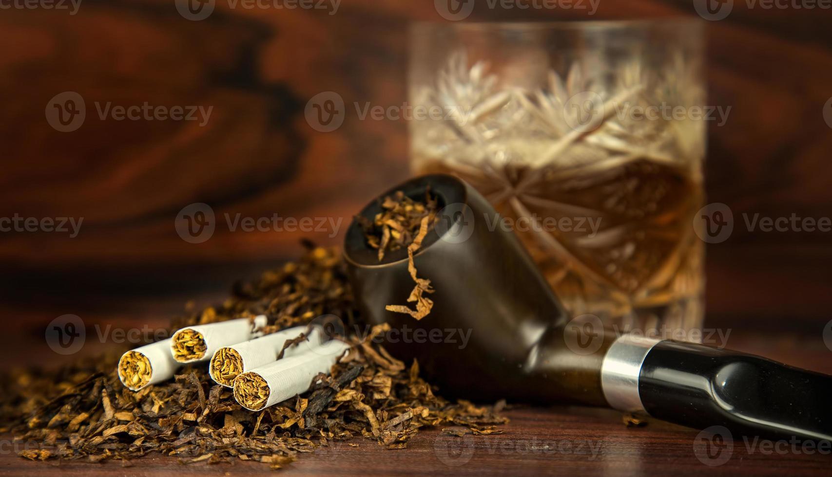 ohälsosam nikotintobakspipcigarr foto