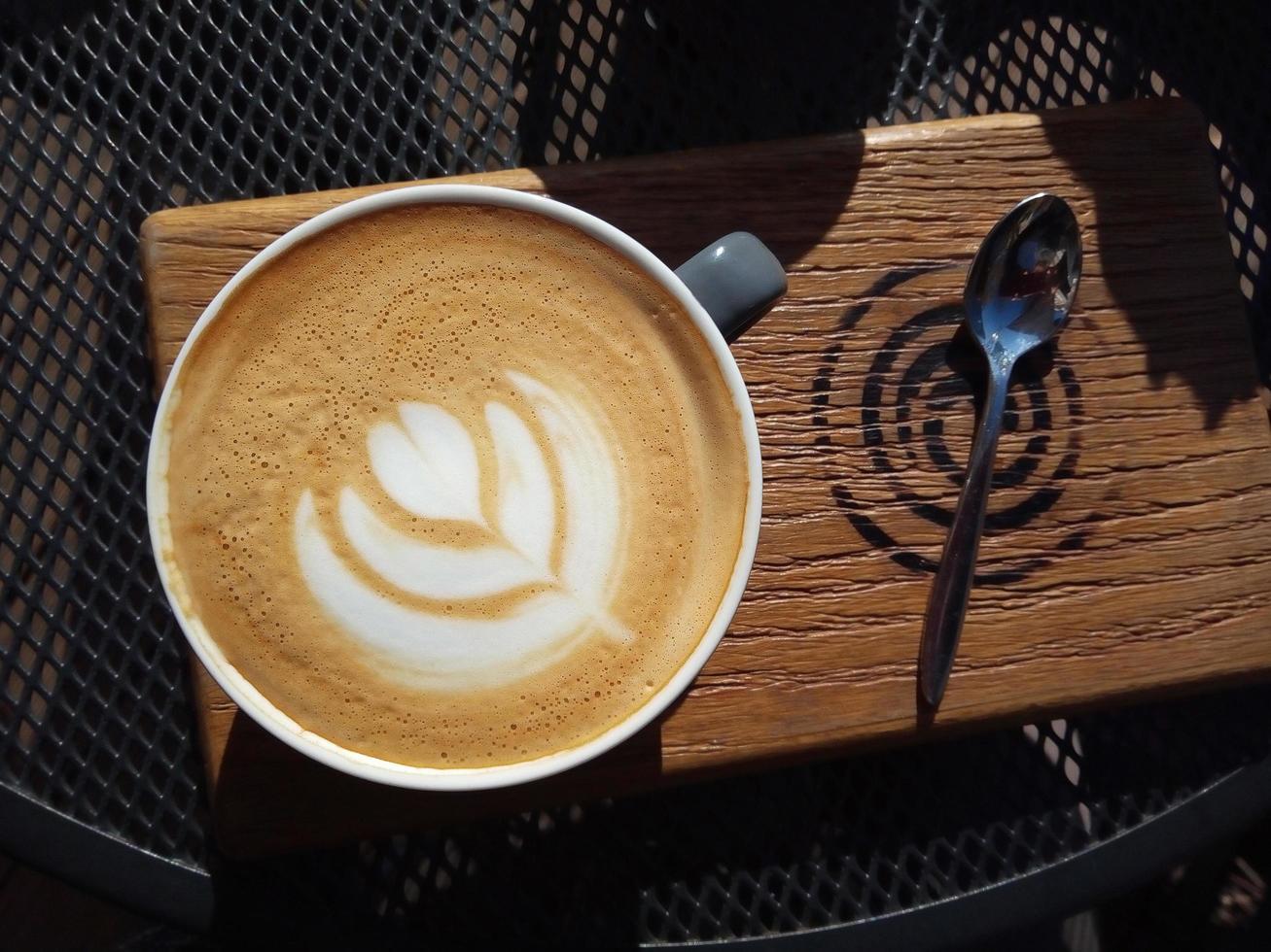 cappuccino ovanifrån utomhus foto