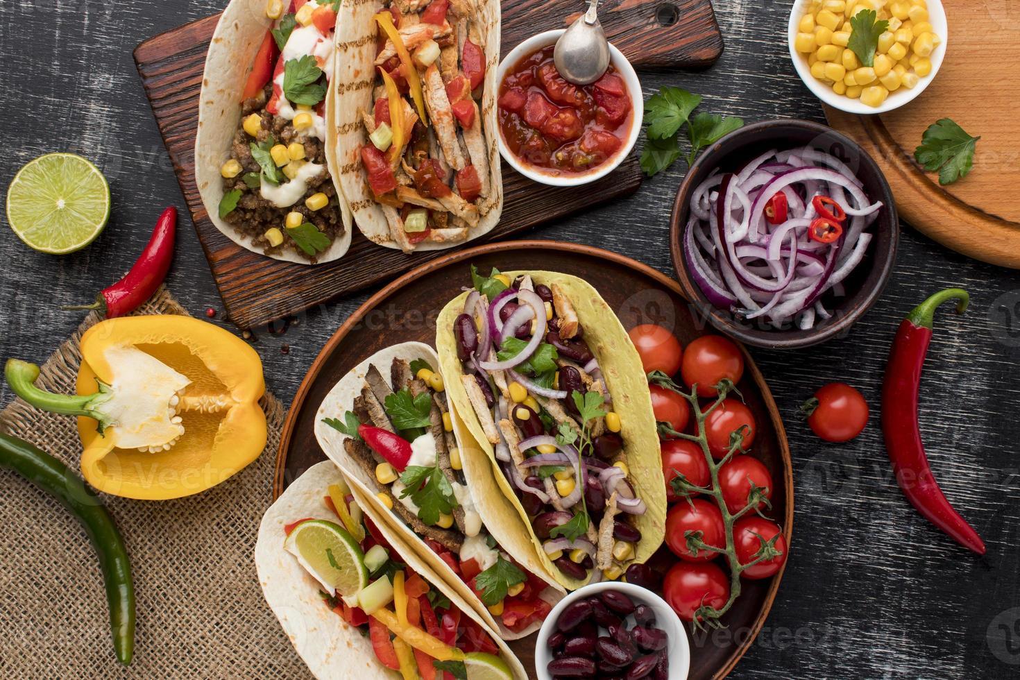 urval av utsökt mexikansk mat foto