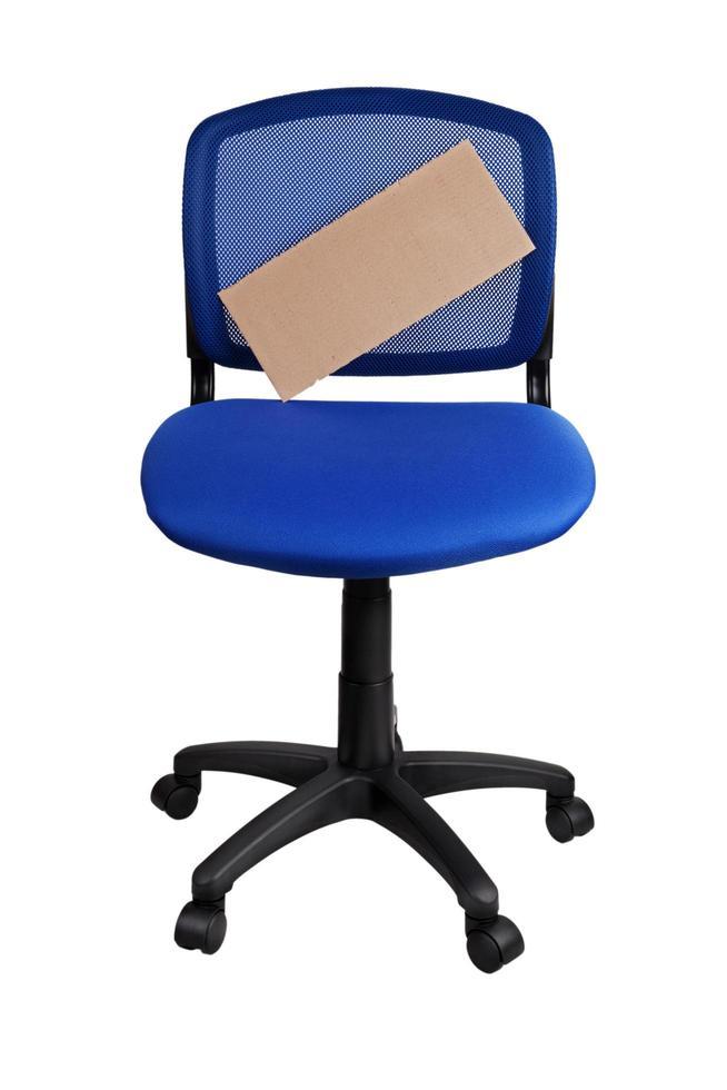 kartongaffisch på en kontorsstol foto