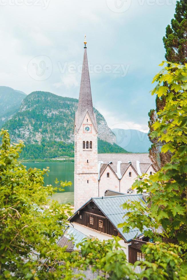 klocktorn på nära håll hallstatt österrike foto