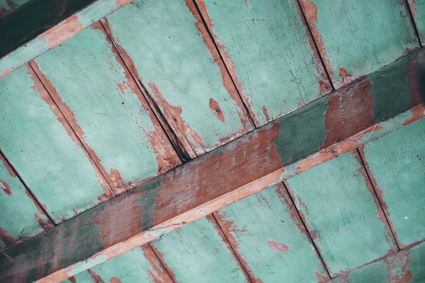trätak, gammalt trätakskonstruktion foto