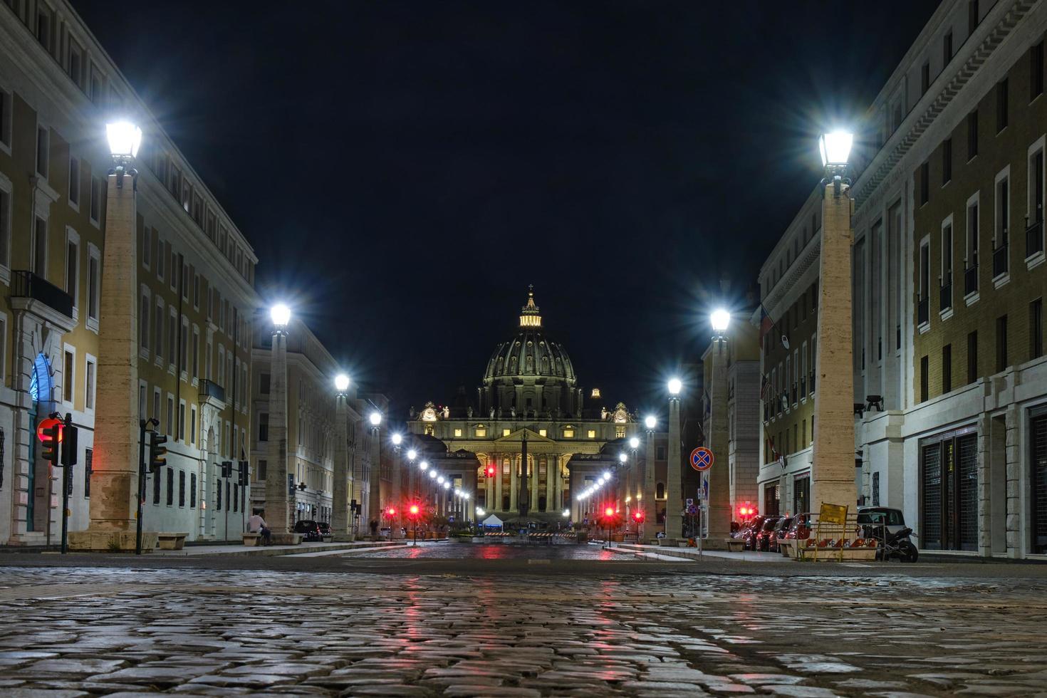 via della conciliazione Vatikanstaten på natten foto