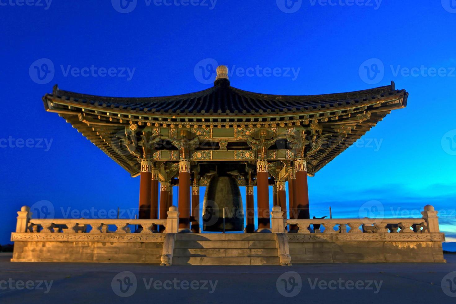 turistmonument koreansk vänskapsklocka i san pedro, cailfornia foto
