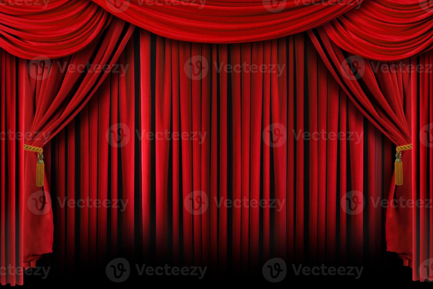 röda draperier med djupa skuggor foto