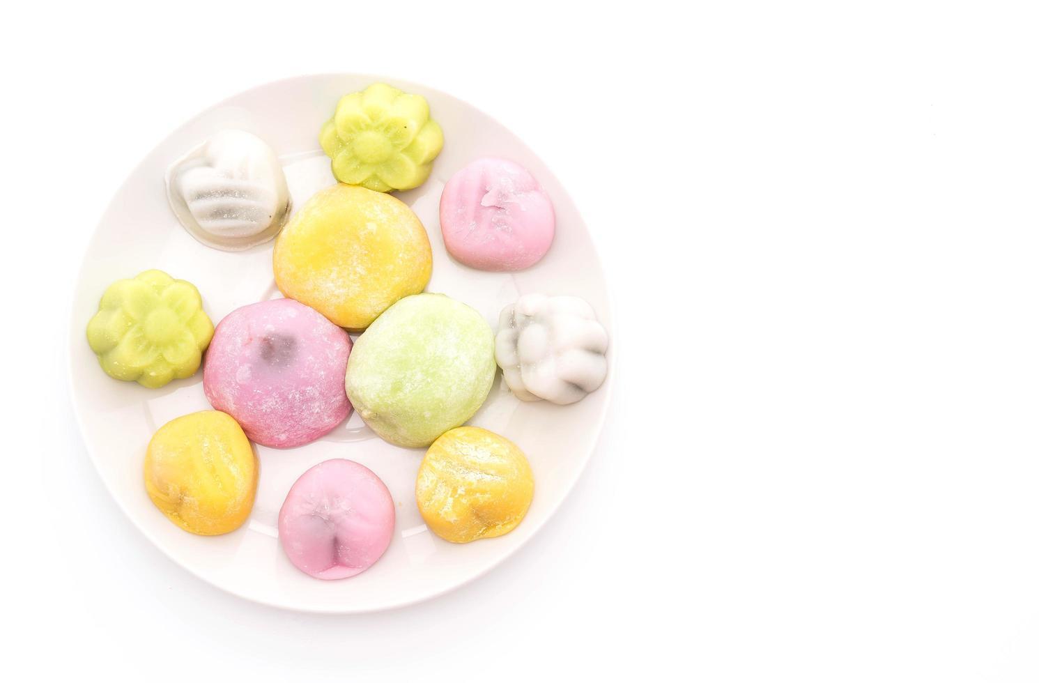 dessert mochi på vit bakgrund foto